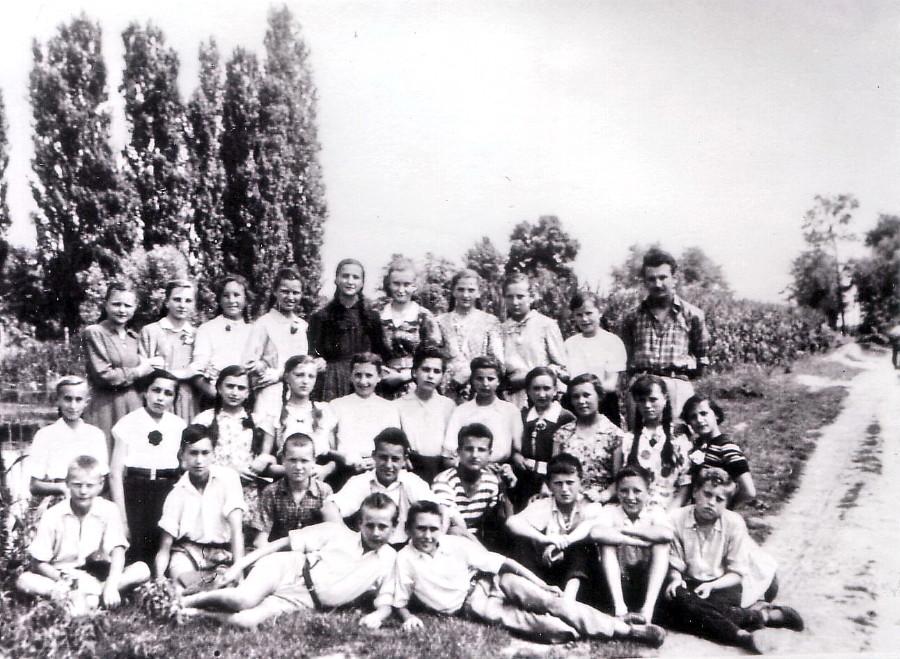 Klasa Jovgena Cakana na viljetu